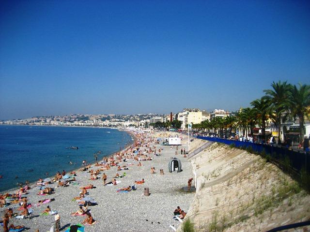 Praia na cidade de Nice