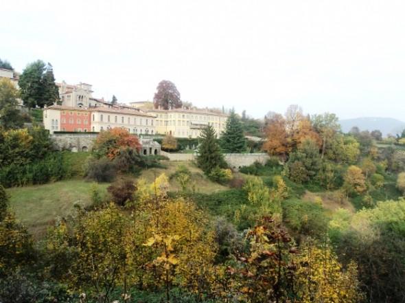 Bate e volta a Bergamo de Milão