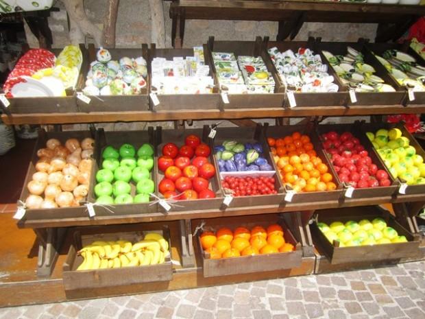 Frutas de cerâmica na Itália