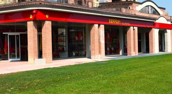 Loja da Ferrari em Maranello