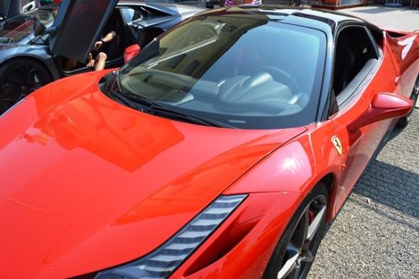 Dirigir uma Ferrari