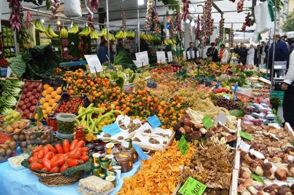 mercado em Milão