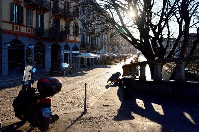 vida noturna em Milão
