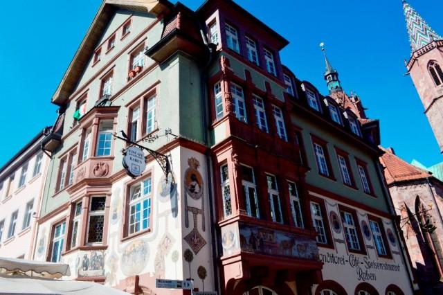 Edifícios medievais com afresco na Alemanha