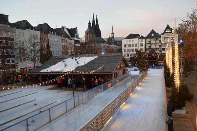Pista de patinação no gêlo em Colônia
