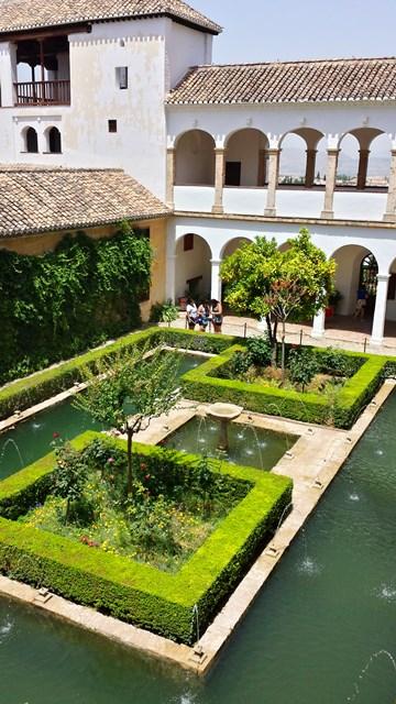 Residência de verão dos governantes árabes-Alhambra