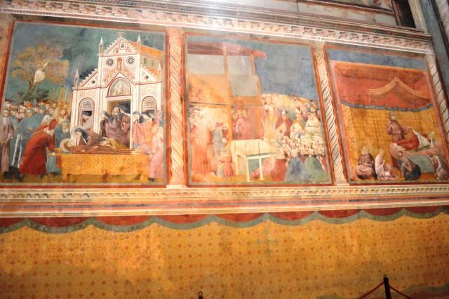 Afrescos no interior da Igreja Superior