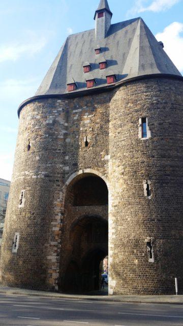 porta medieval em Aachen