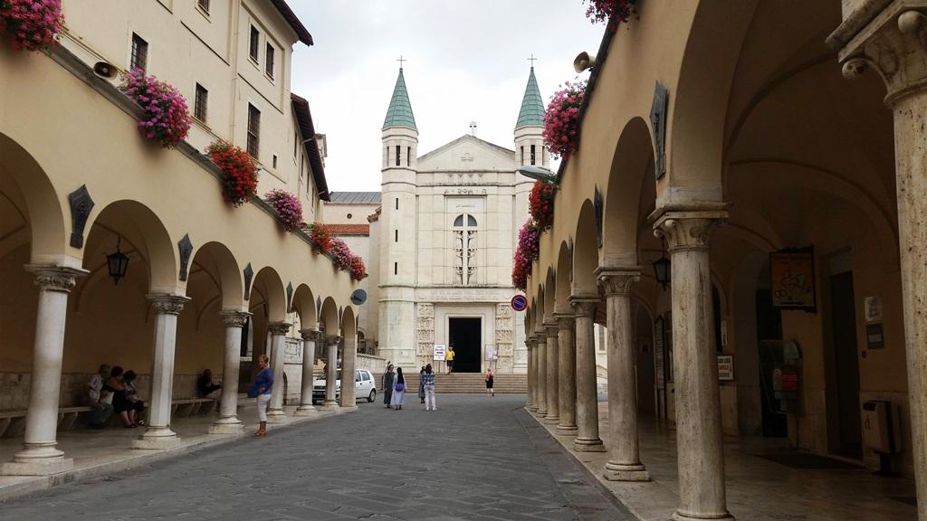 Santuário De Santa Rita De Cássia Como Chegar E Visitar